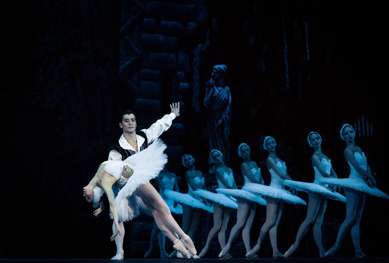 Кремлевский балет Лебединое озеро