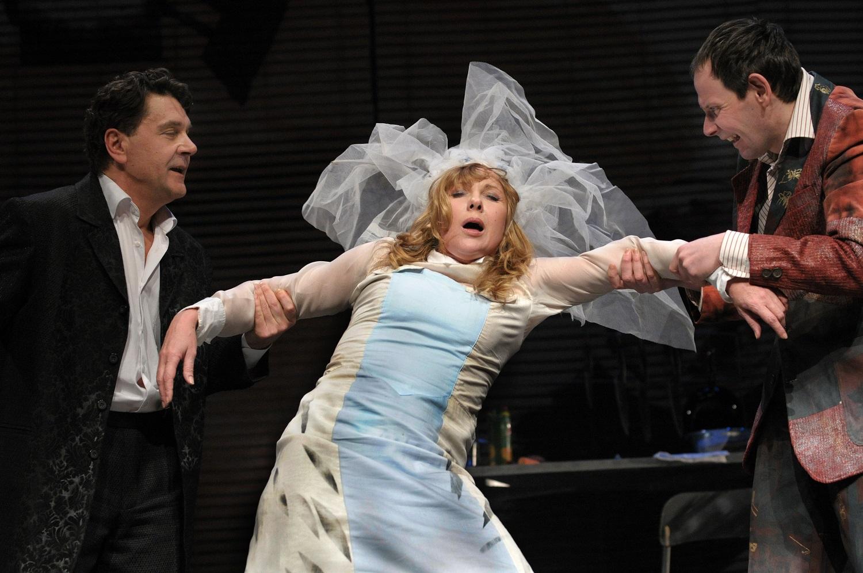 Спектакль Бумажный брак. Купить билеты в театр